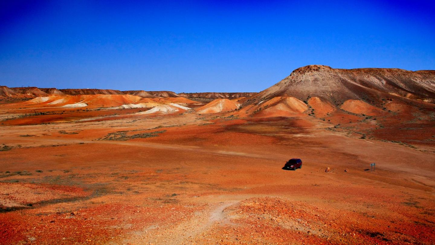 Stay underground to escape the heat in Coober Pedy