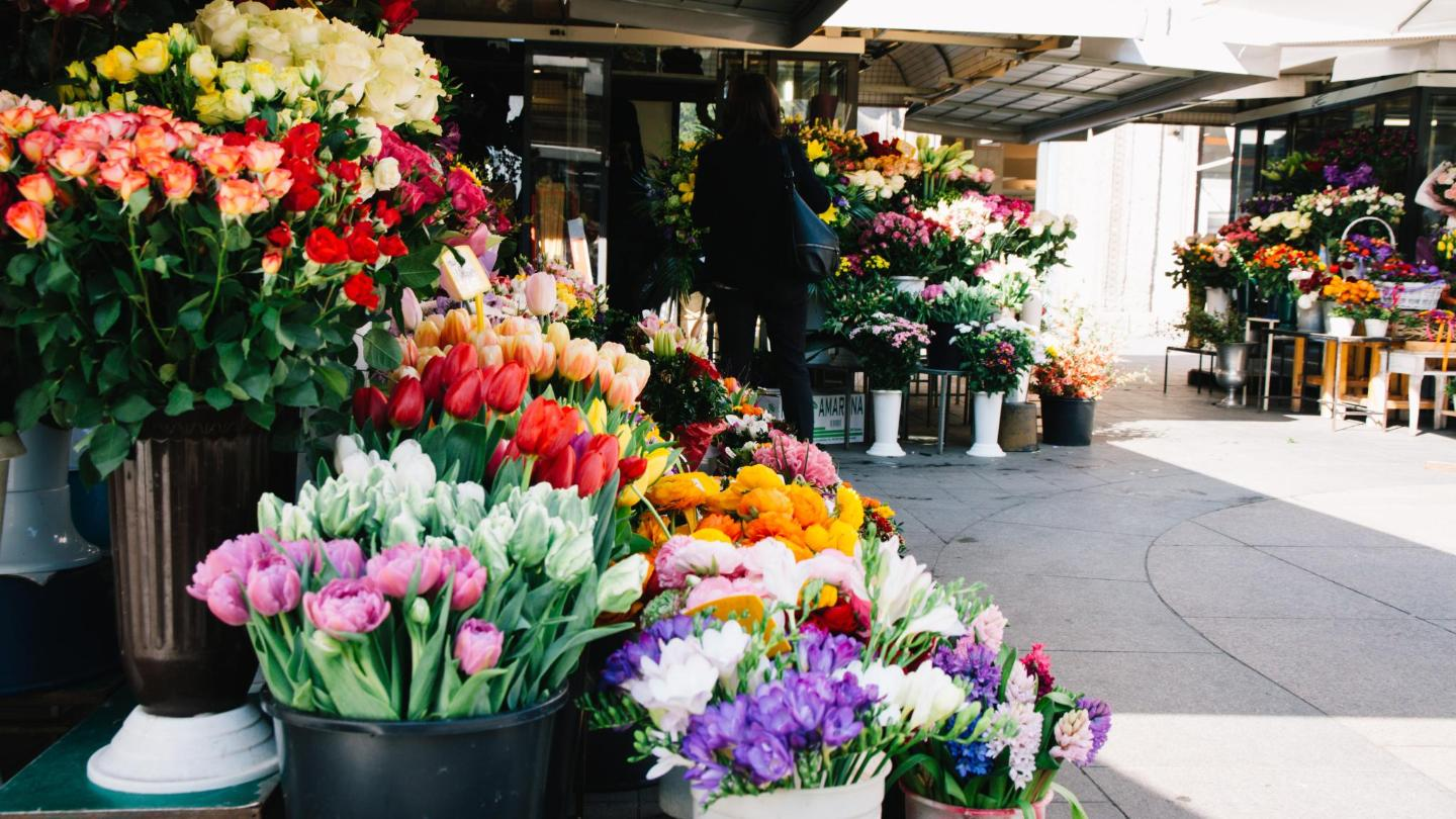 Vibrant bouquets further brighten up this sunny city