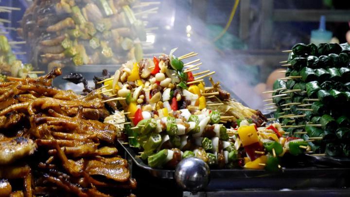 Encuentra el mejor lugar para la comida callejera en Hanói