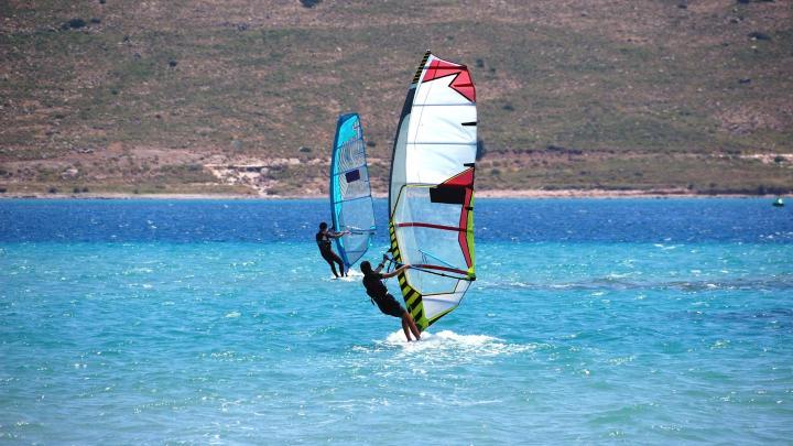 Encuentra el mejor lugar para el windsurf en Alacati
