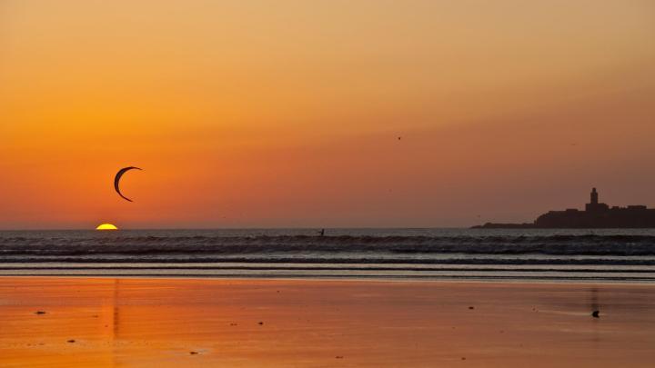 Encuentra el mejor lugar para el kitesurf en Esauira