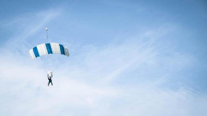 Encuentra el mejor lugar para el paracaidismo en Cairns