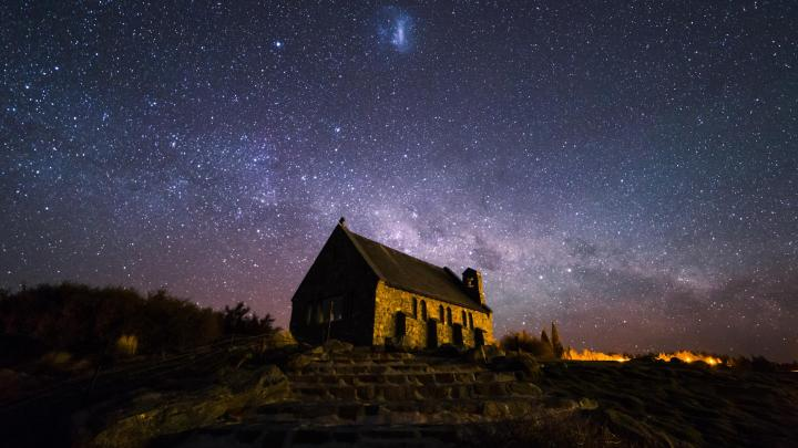 Encuentra el mejor lugar para observar estrellas en Lago Tékapo
