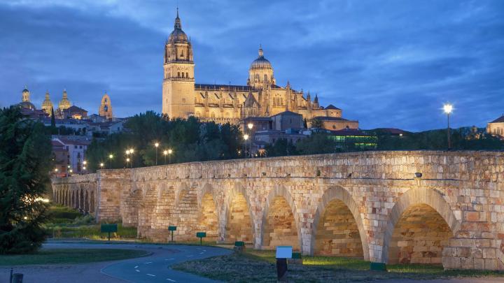 Encuentra el mejor lugar para las catedrales en León
