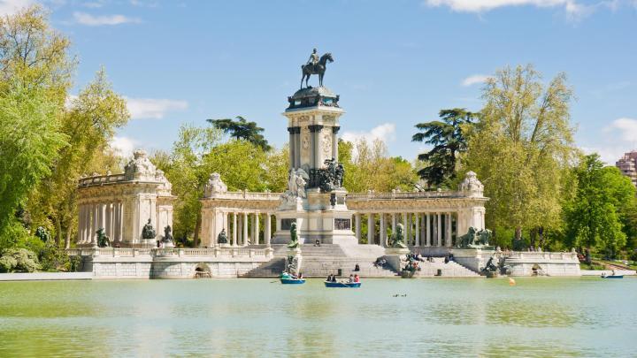 Encuentra el mejor lugar para hacer turismo en Madrid