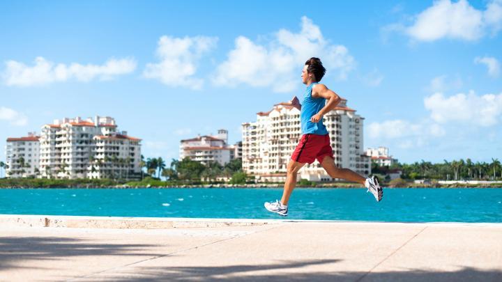 Encuentra el mejor lugar para salir a correr en Miami Beach