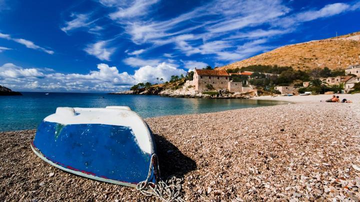 Encuentra el mejor lugar para las playas de guijarros en Hvar