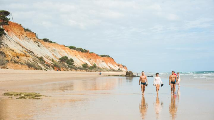 Encuentra el mejor lugar para las playas de arena en Albufeira