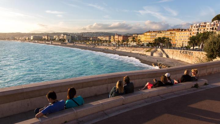 Encuentra el mejor lugar para las playas de guijarros en Niza