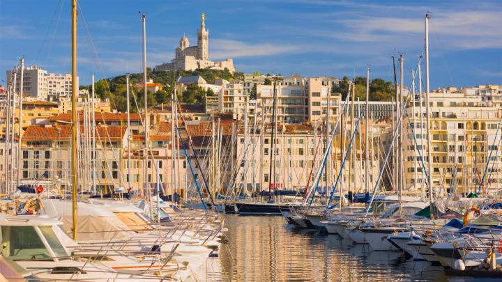 Encuentra el mejor lugar para los puertos en Marsella