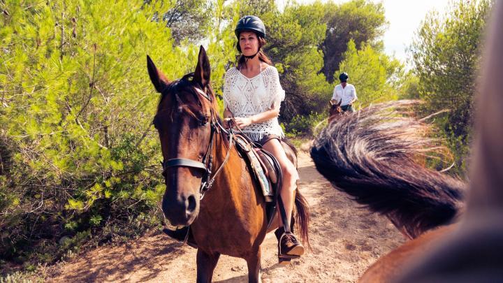 Encuentra el mejor lugar para montar a caballo en Monte Verde