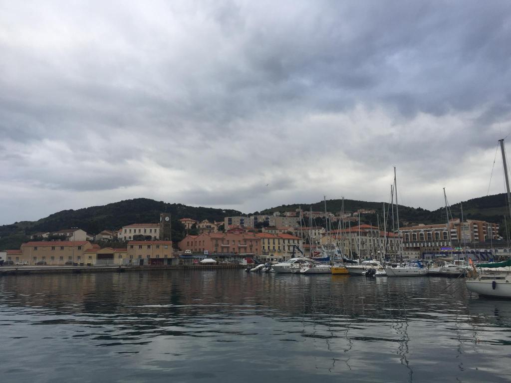 Hotel restaurant les paquebots port vendres tarifs 2018 - Restaurant le france port vendres ...