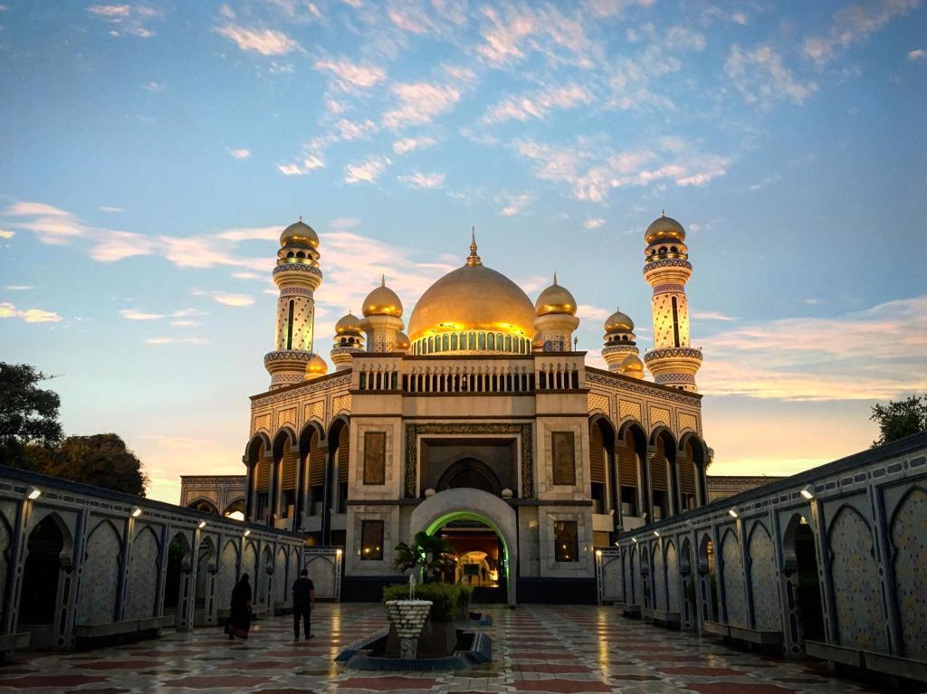 Bandar Seri Begawan – Welcome Aboard  |Bandar Seri Begawan Brunei Darussalam