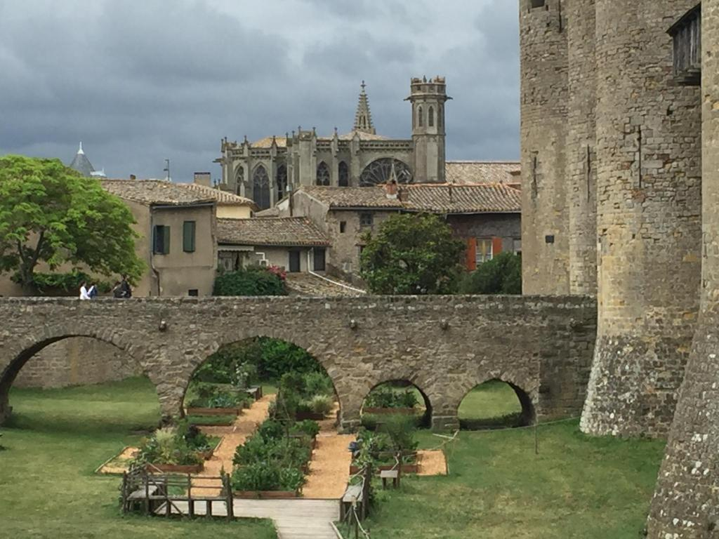 Hotel de la cit spa mgallery c carcassone france for Hotels carcassonne