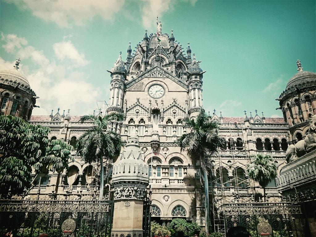 Fish aquarium in vile parle timing - Traveler Photo Of Mumbai