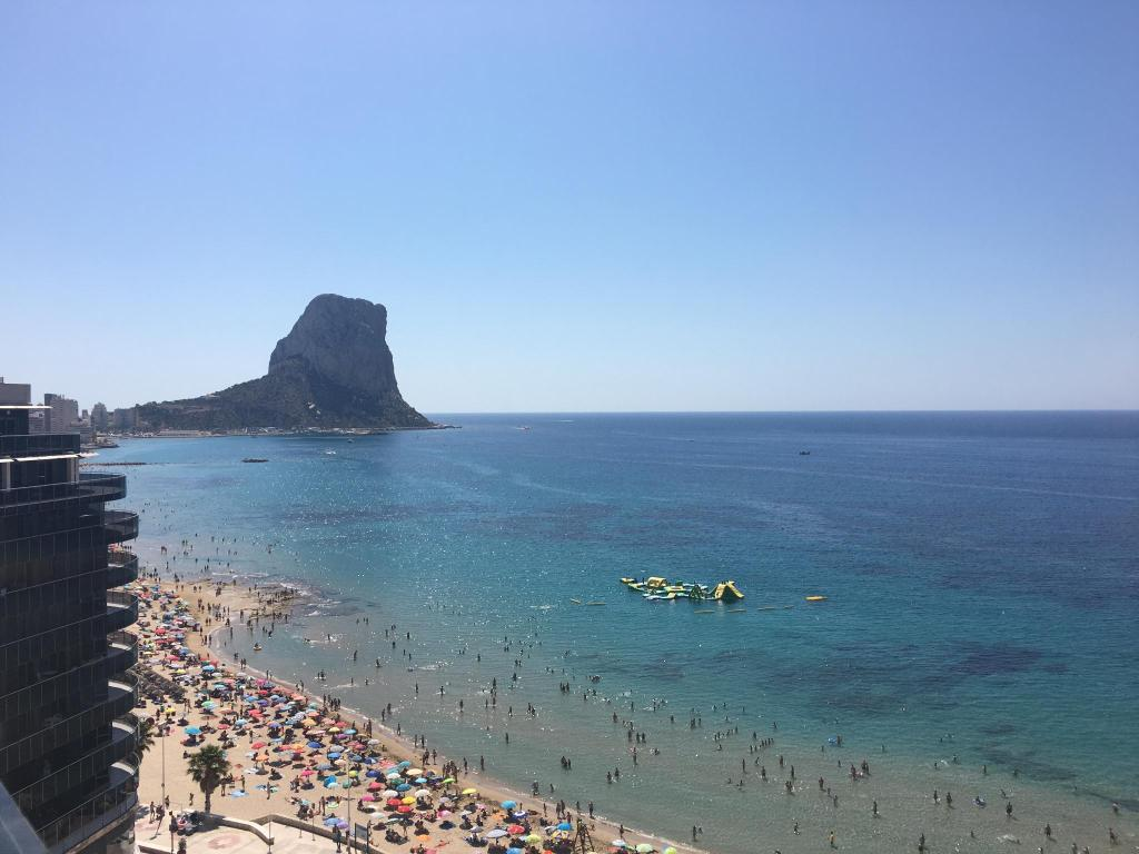 Suitop a sol y mar suites hotel calpe spain for Hotel europa calpe