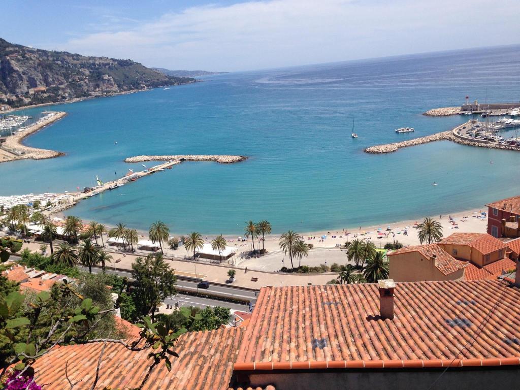 Villa prestige villefranche sur mer france for Piscine nautile villefranche