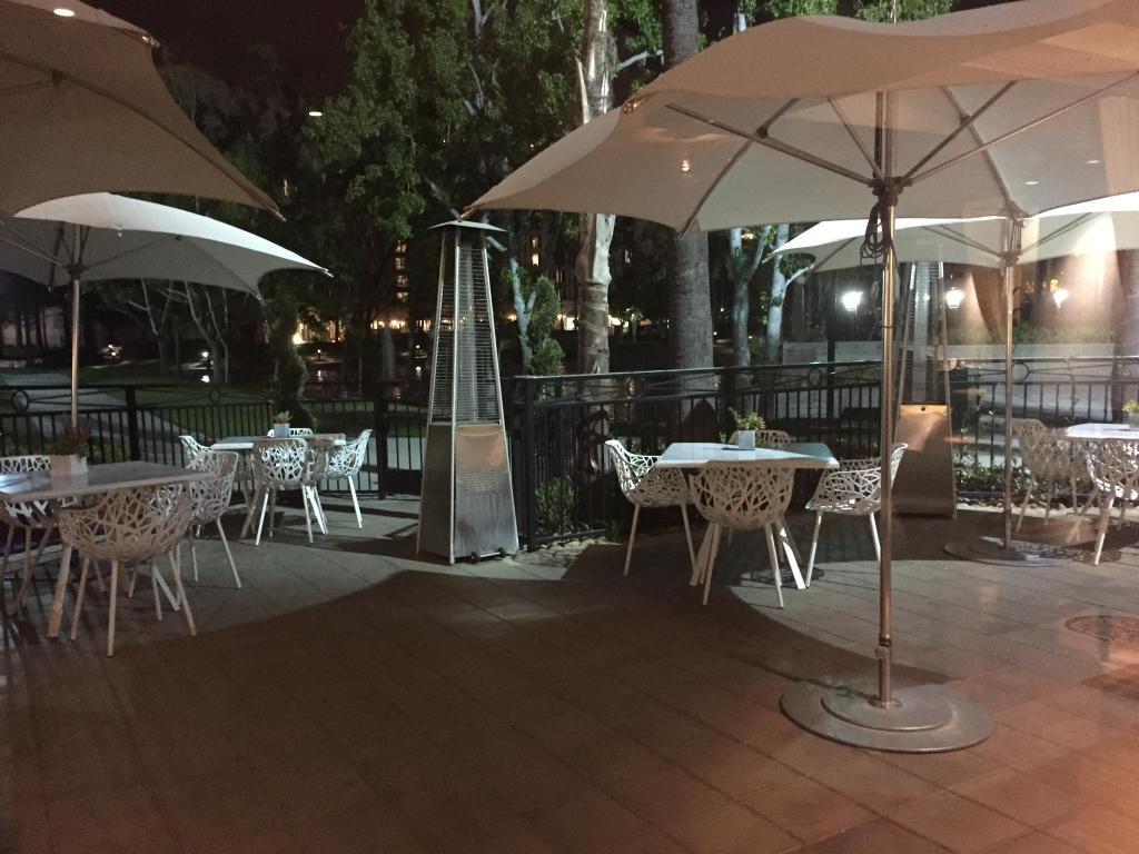 Ayres Hotel Costa Mesa, CA - Booking.com