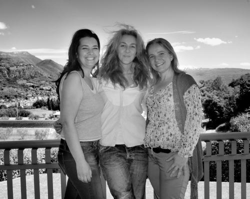 Holiday Garda: Cristina, Novella, and Christina