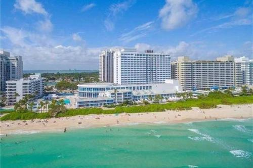 Castle Beach Club Apartments Miami Fl Booking