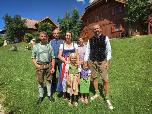 Ihre Gastgeber - Familie Santner & Familie Fuchs