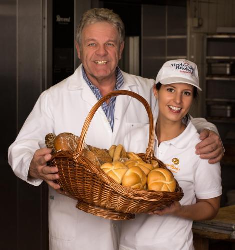 Bäckermeister Max Wurm mit Tochter Christina
