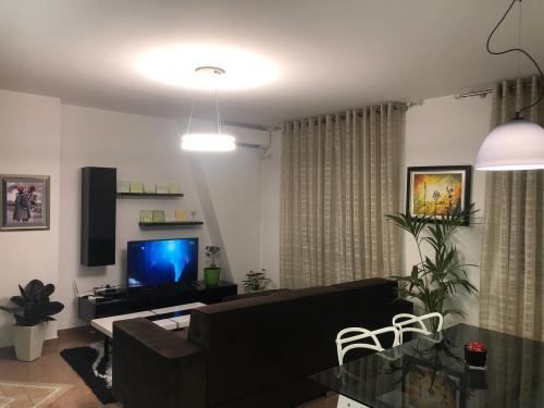 Geri Apartment