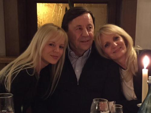 Family Cabrajic :)