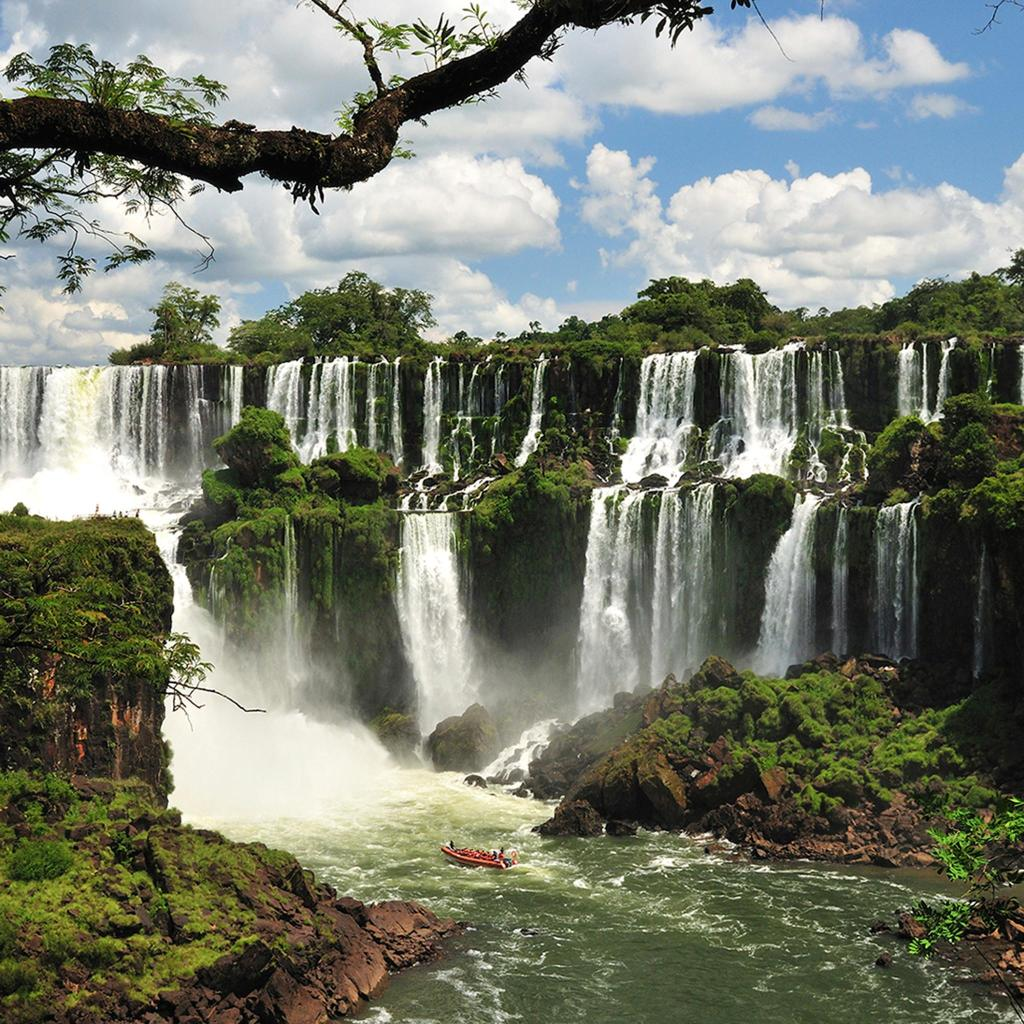 The largest waterfall system in the world, Iguaçu Falls