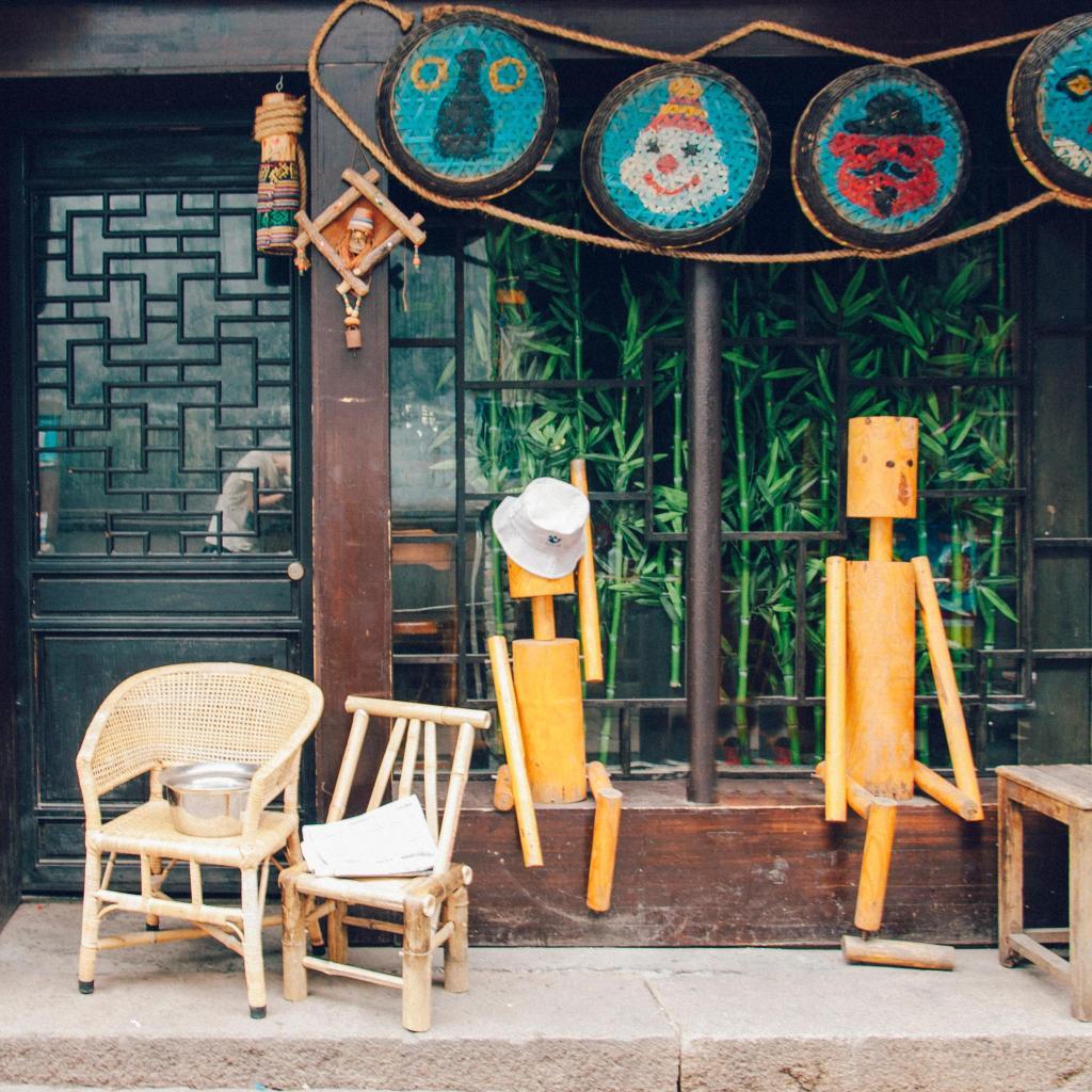 A popular local bar in Xitang