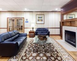 Days Inn & Suites Tucker