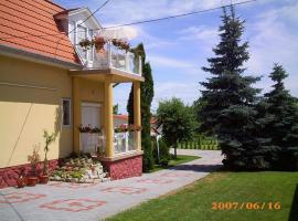 Anikó Apartmanház, Balatonföldvár