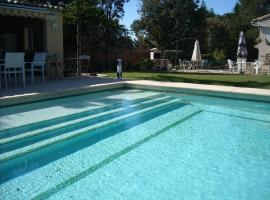 Villa Avec Piscine Privée Au Sel, Uchaux