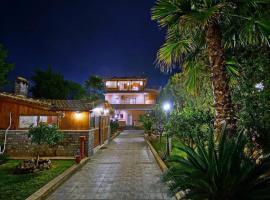 Luxury villa with private pool, Vari