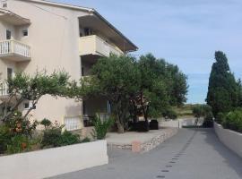 Apartments Zoran, Povljana