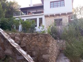 Traditional House in Athens Marathon with Sea View, Athens