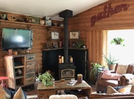 The Hobbit Farm House, Victor
