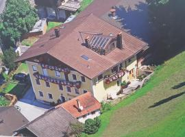 Haus Uberganger, Ellbögen