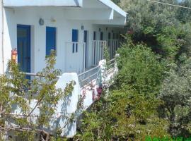 Karatzas Rooms, Agia Anna