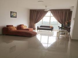 Big and Clean Lakeview Resort Apartment, Cyberjaya