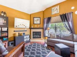 Beautiful 2bdr Home - 10 Min to Knotts Berry Farm! Townhouse, Cypress