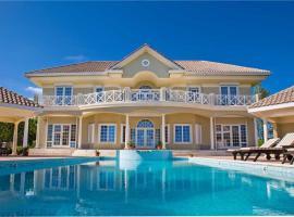 Villa Zara Home, Driftwood Village