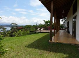 Villa El Oasis Guatape Lake, Guatapé