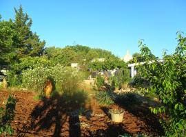 Giardino pisciacalze, Ceglie Messapica