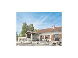 Holiday home Lieu dit Charrin, Layrac