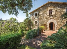 Six-Bedroom Holiday Home in Sant Iscle de Vallalta, Sant Iscle de Vallalta