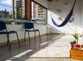 Casa turistica de colores, Medellín