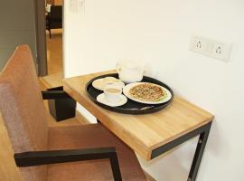 OYO 1441 Arista Apartments, Ghansoli