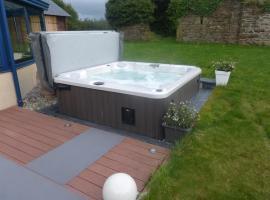 villa avec piscine et spa, Plourin