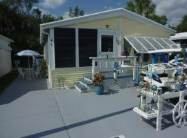 Resort Home with a Touch of a Keys, Fort Myers Beach